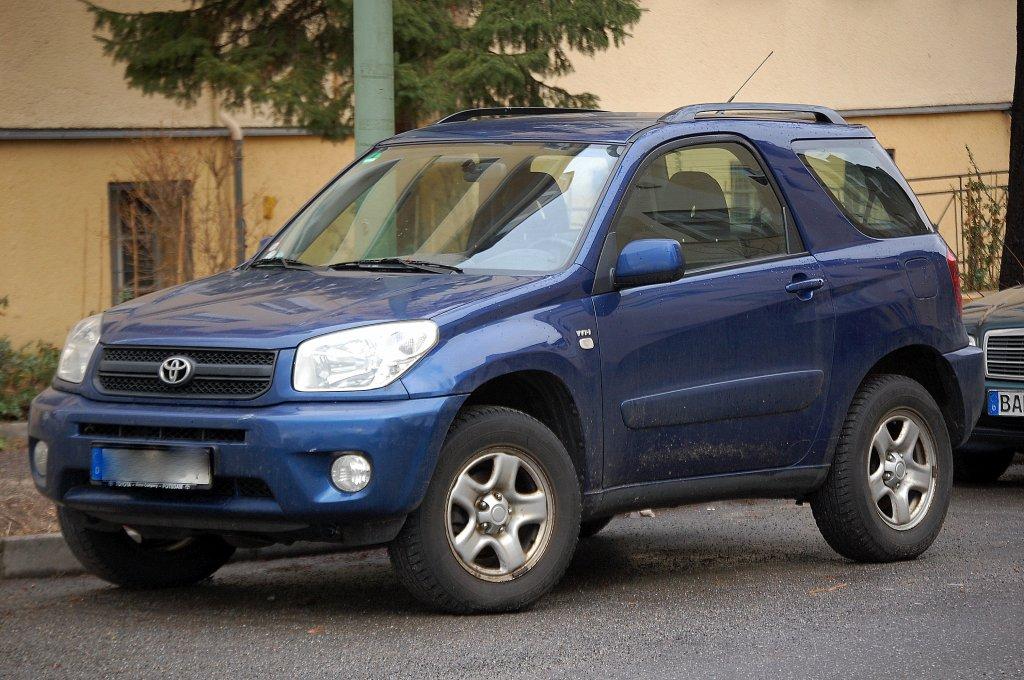 Ein Toyota Wt I Rav4 Suv 15 01 11 Berlin Pankow Karow900 Startbilder De