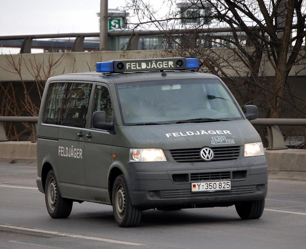 vw transporter einsatzfahrzeug der bundeswehr feldj ger berlin pankow karow900. Black Bedroom Furniture Sets. Home Design Ideas