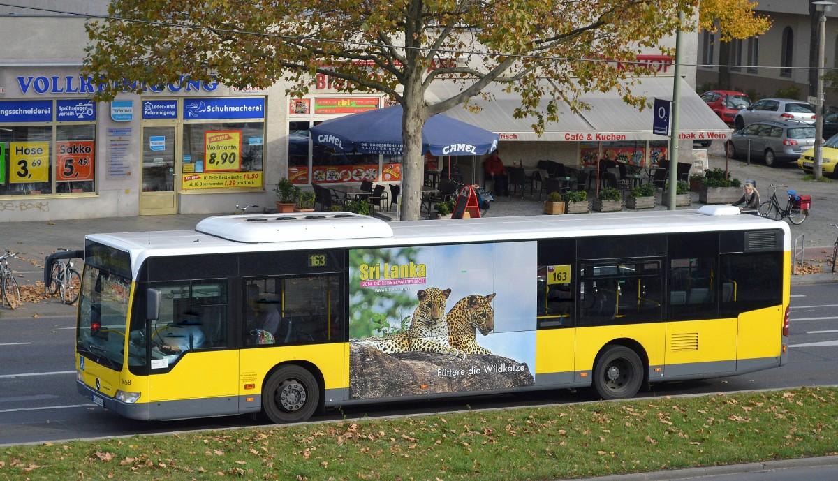 Eine ganze flotte busse im süden berlins werden im auftrag der