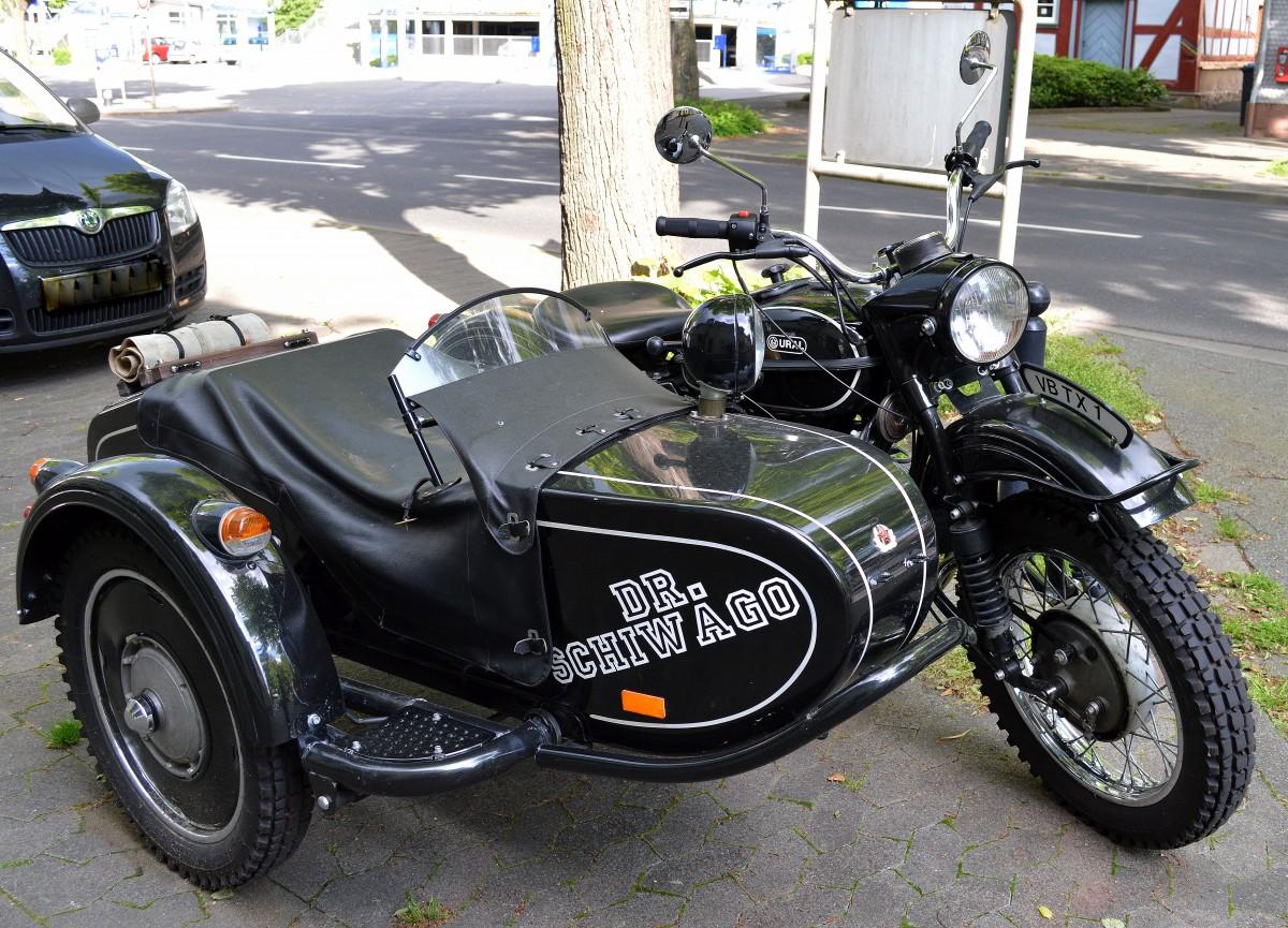 hier das ural typ motorrad mit beiwagen mit der. Black Bedroom Furniture Sets. Home Design Ideas