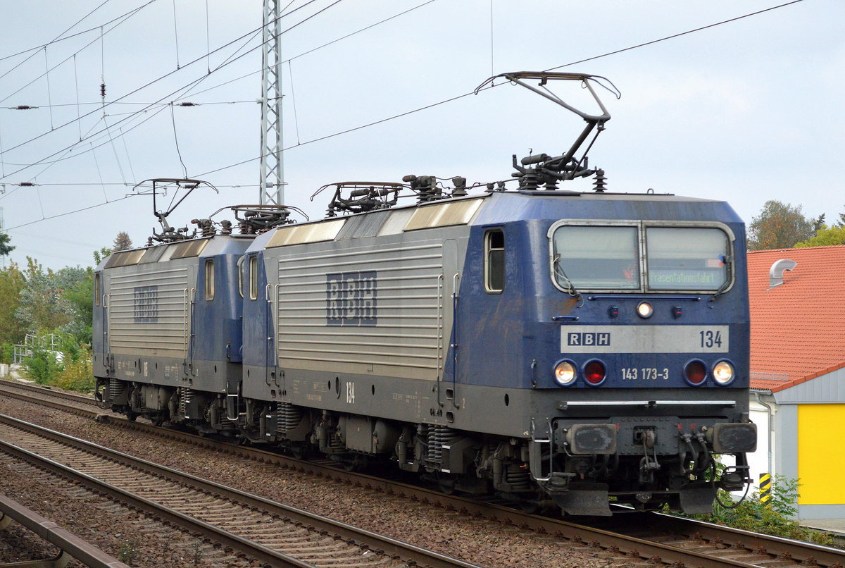 RBH Doppeltraktion 134/143 173-3 + 115/143 068-56 am 26.09.17 Berlin-Karow.