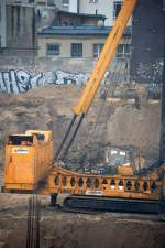 fundex/106976/nur-ein-einziges-mal-in-berlin Nur ein einziges mal in Berlin gesichtet dieses monströse System FUNDEX F12 der Fa. KÖNIG mit enormen hohem Teleskopmäkler beim Neubau eines Einkaufcenters am S-Bhf. Berlin Hermannstr in Neukölln, 17.01.08