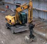caterpillar-cat/85543/ein-cat-m315c-am-091108-neubau Ein CAT M315C am 09.11.08 Neubau eines Kaufzenters neben dem Bhf Berlin-Gesundbrunnen