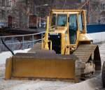 caterpillar-cat/84667/eine-cat-d6n-lgp-raupe-am Eine CAT D6N LGP Raupe am 14.03.09 Neubau des S-Bhf. Berlin-Baumschulenweg.