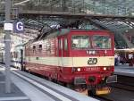 br-371/82462/bevor-die-br-186-diese-aufgabe Bevor die BR 186 diese Aufgabe übernommen hat, zogen abwechselnd die DB BR 180 und tschechische CD BR. 371 den Berlin-Warschau Express, hier 371 004-3, Frühjahr 2006 Berlin-Hauptbahnhof.