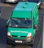 Diverse Fahrzeuge/104667/dieser-renault-transporter-transportiert-nichts-gutes Dieser Renault Transporter transportiert nichts Gutes, ein Transportfahrzeug der Gerichtsmedizin aus Berlin, 09.10.09 Berliner Stadtautobahn höhe Knobelsdorffstr.