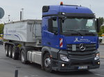 Ein MB NEW ACTROS 1845 Sattelkipper der Mimberg SPEDITION am 28.09.16 Berlin Marzahn.