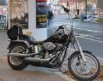 harley-davidson/98068/recht-zierlich-ist-dieses-harley-davidson Recht zierlich ist dieses Harley Davidson Bike Typ?, 09.10.10 Berlin-Pankow.
